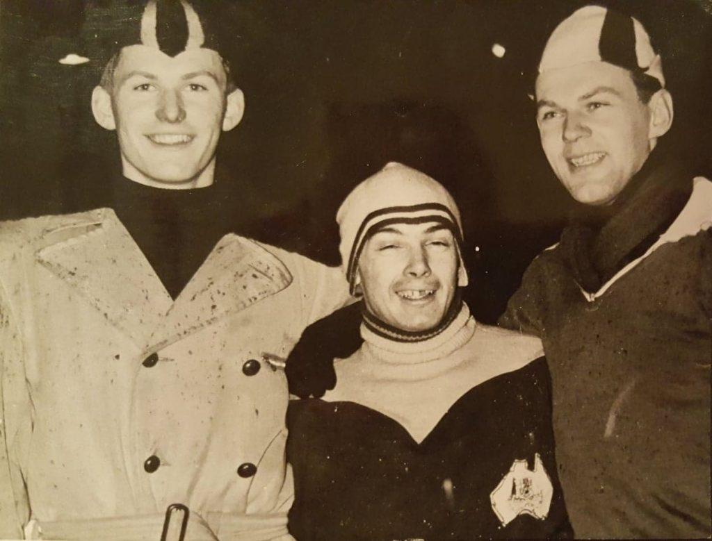 Bilde av Colin Hickey sammen med Alv Gjestvang og Kjell Trystad.