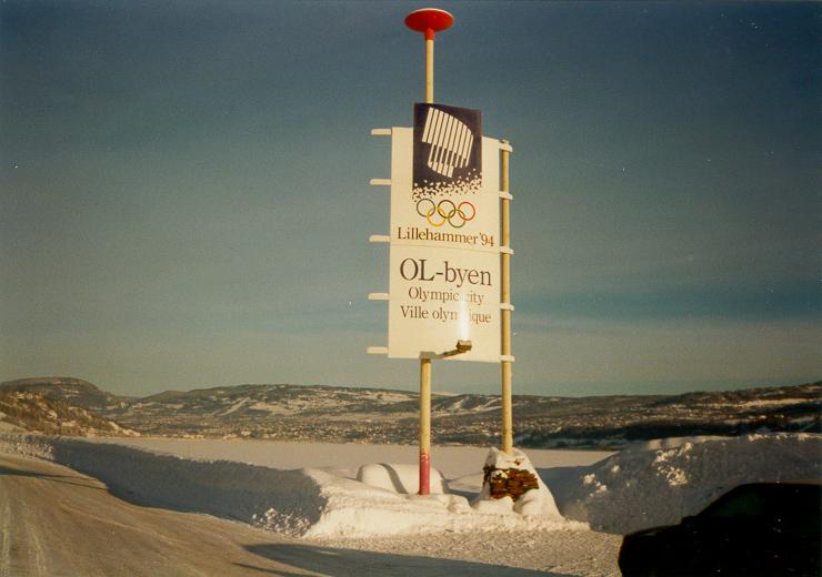 Skilt som ønsker velkommen til OL-byen Lillehammer.