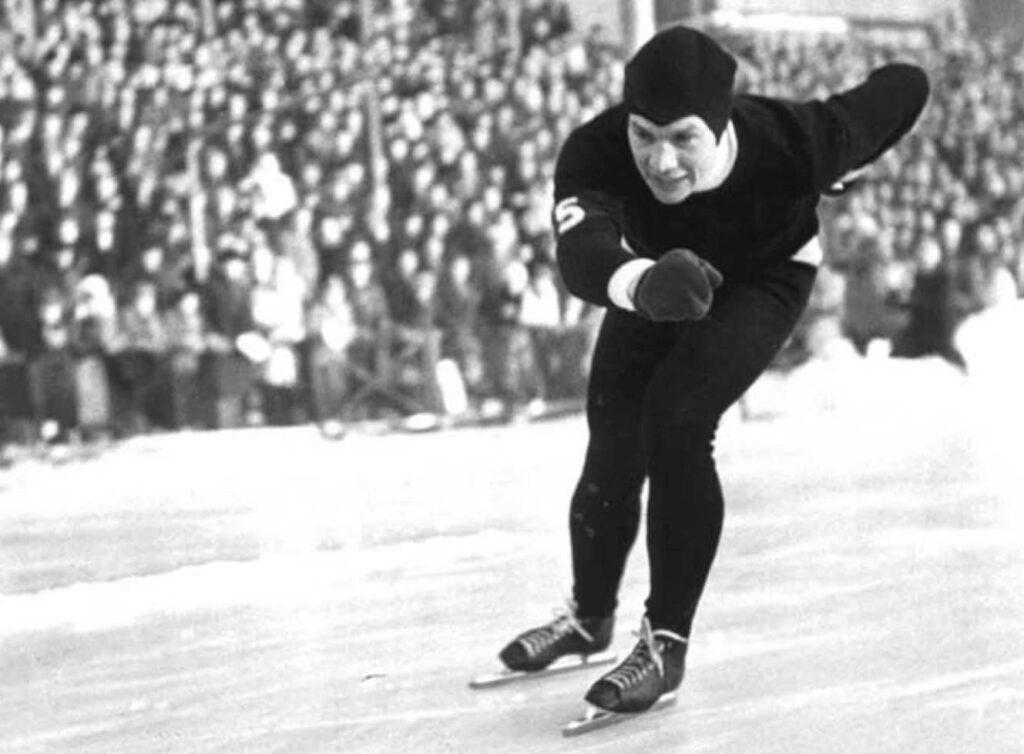 Bilde av skøyteløperen Finn Helgesen under OL-uttakingen på Bislett 10. januar 1948.